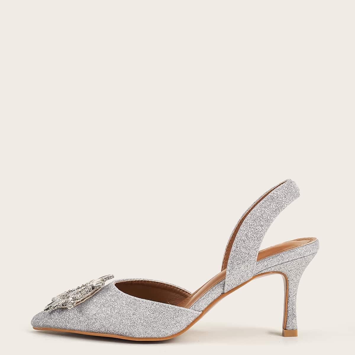 Блестящие туфли со стразами