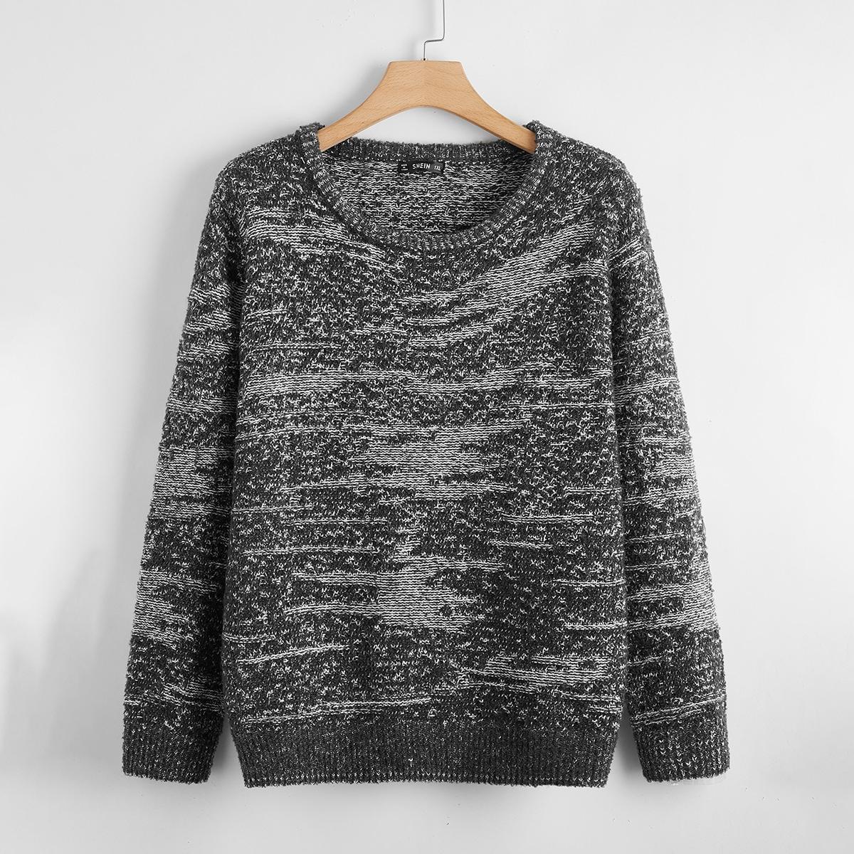 Оригинальный свитер размера плюс