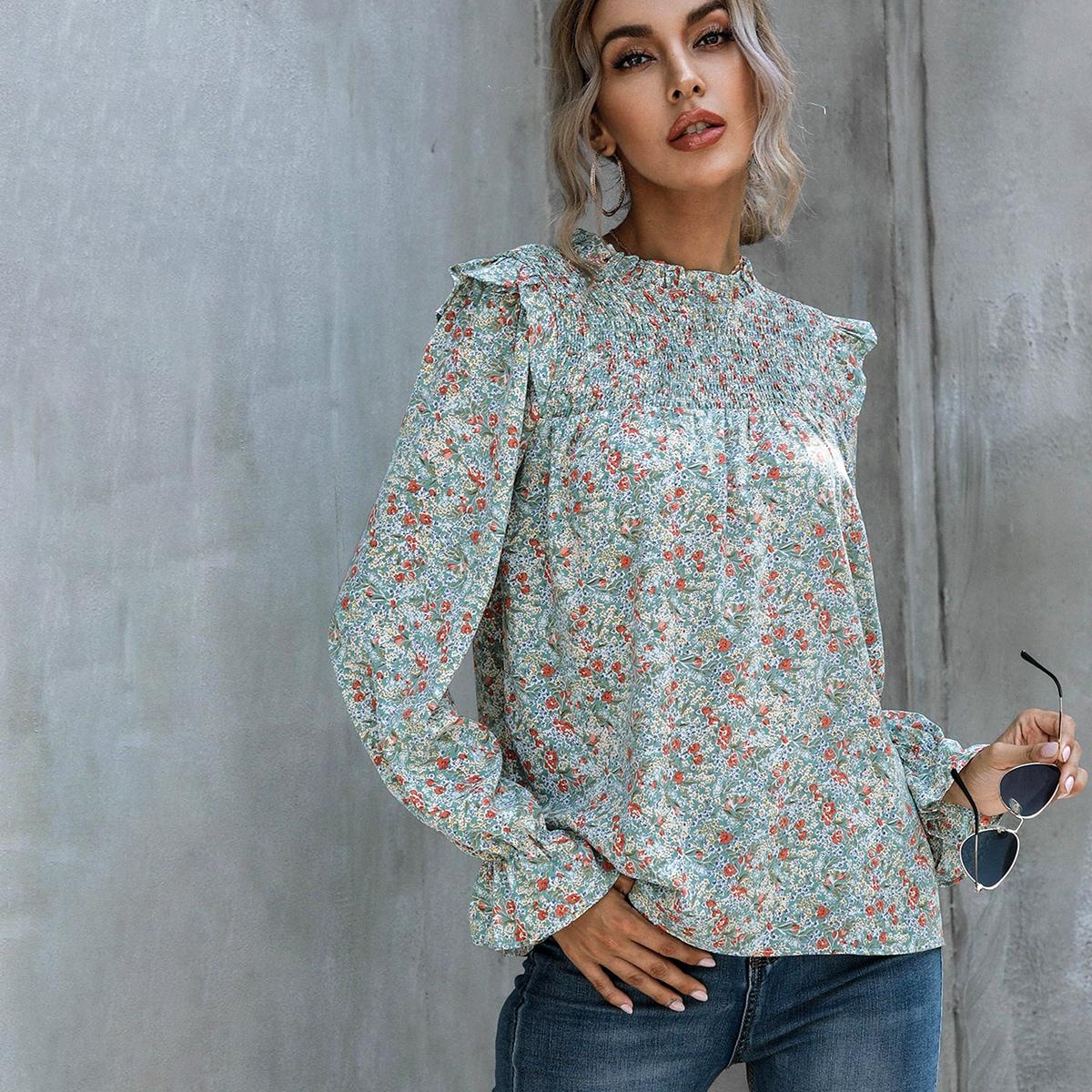 Оригинальная блузка с цветочным принтом