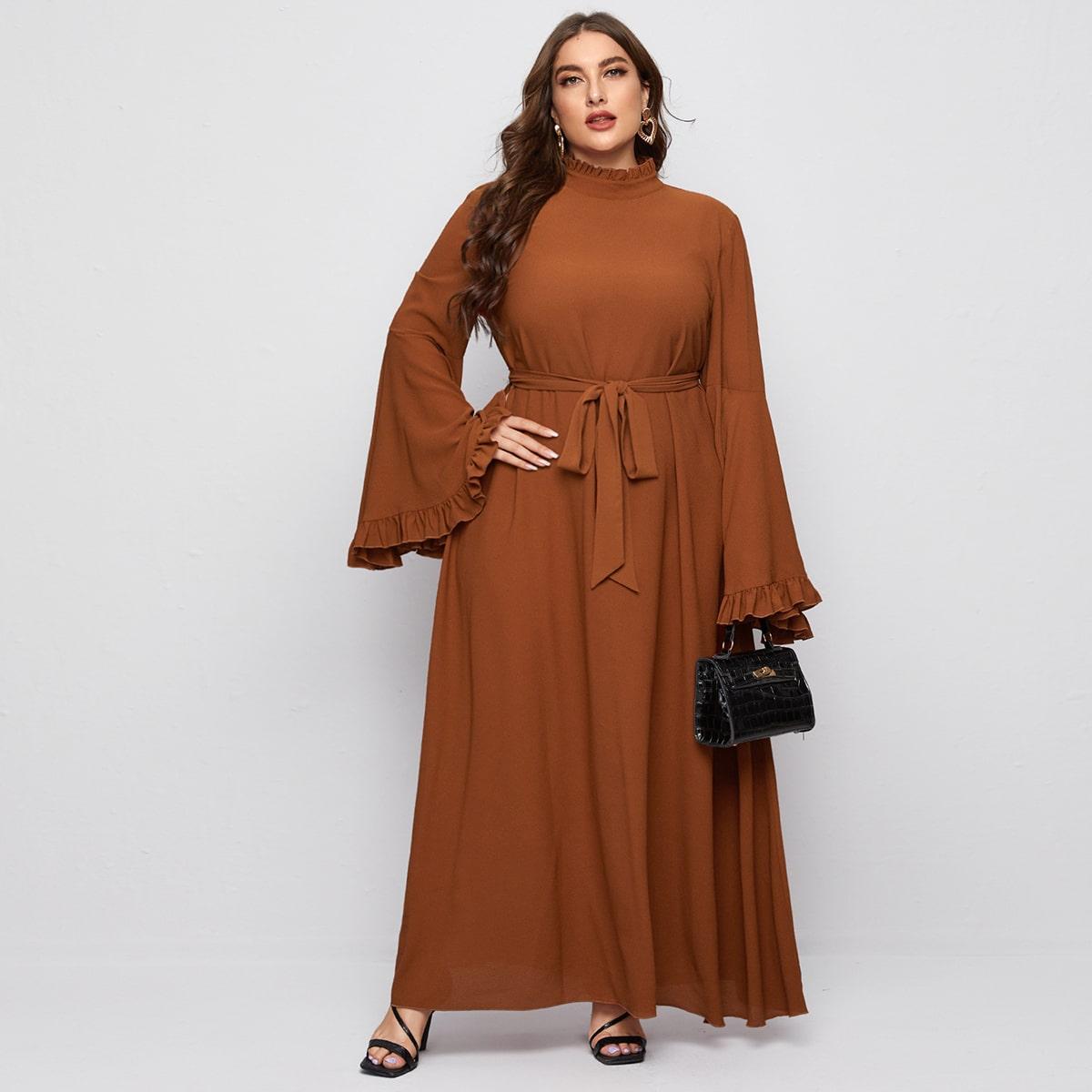 Макси платье размера плюс с поясом