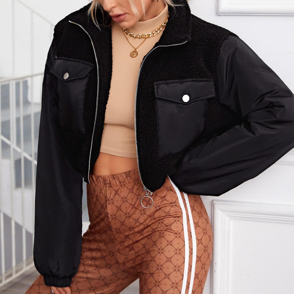 Плюшевая куртка с карманом