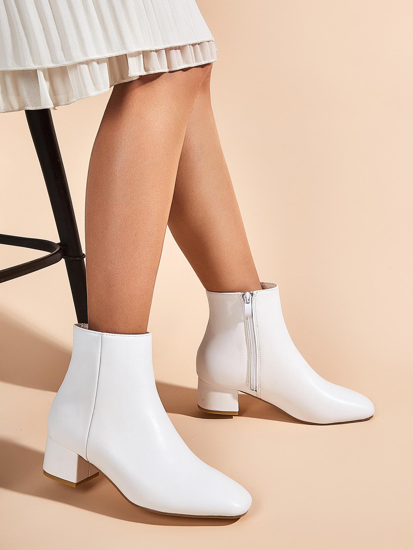 Square Toe Minimalist Chunky Heeled Boots