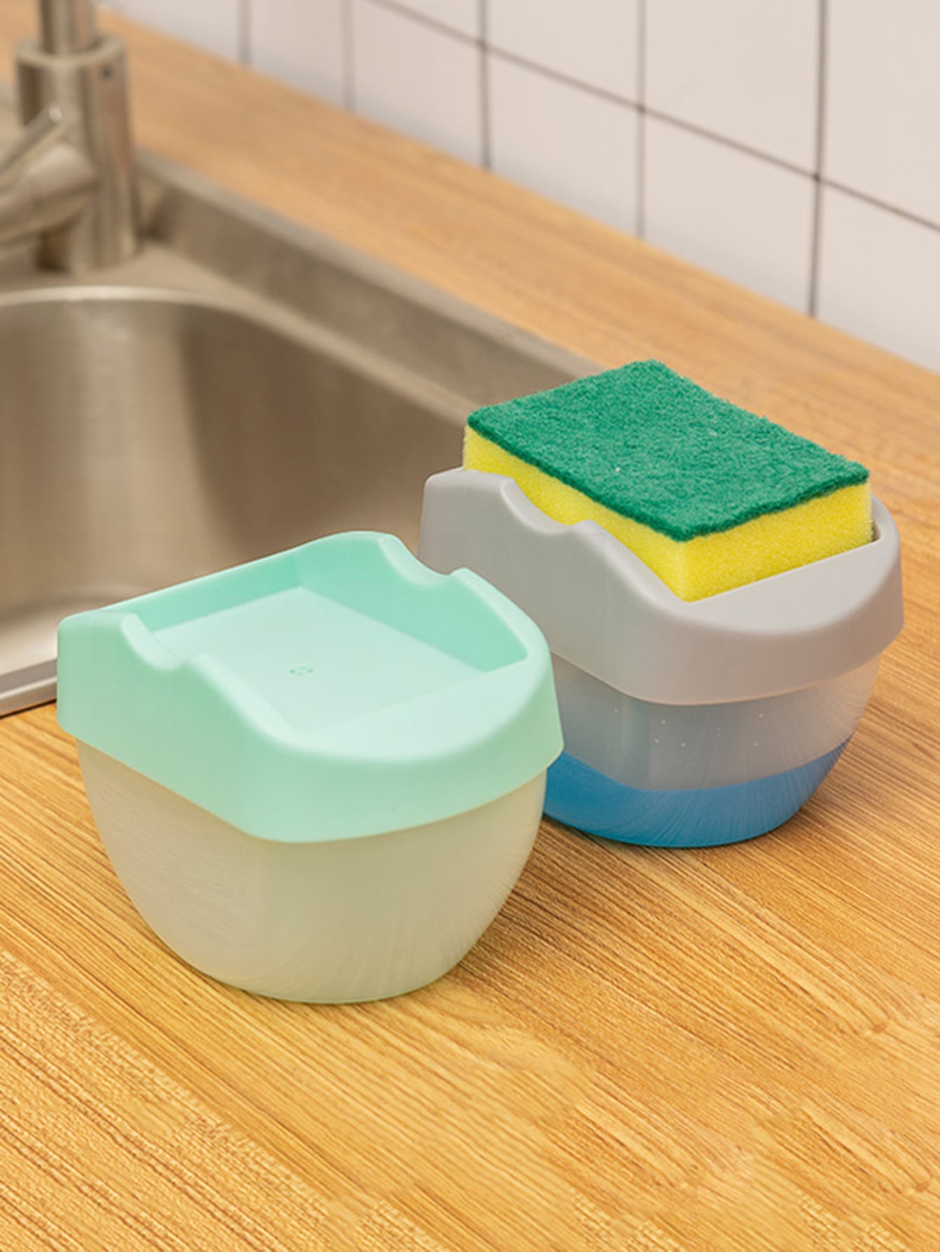 1Pc Hand Press Random Color Soap Dispenser