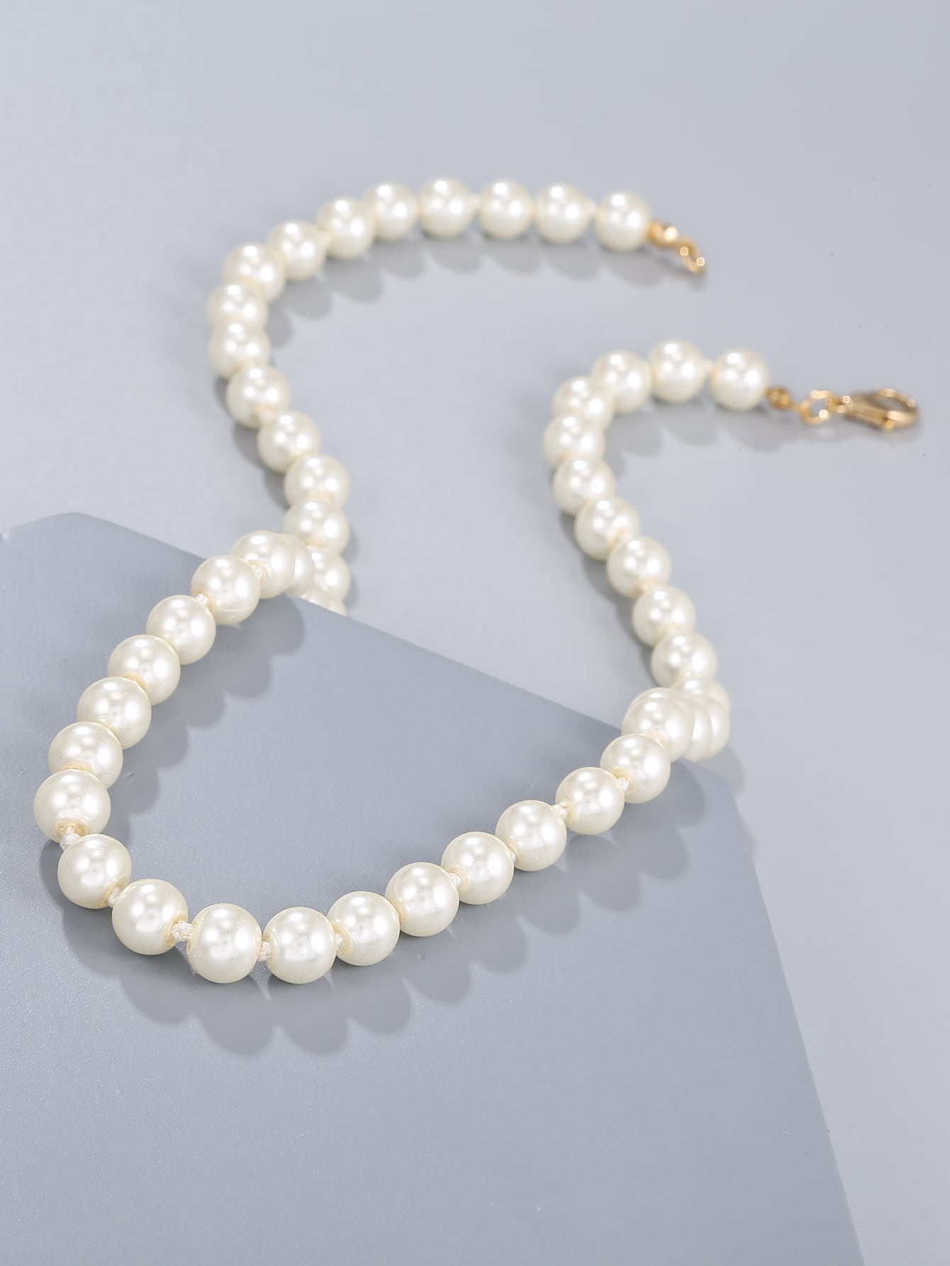 Faux Pearl Beaded Necklace thumbnail