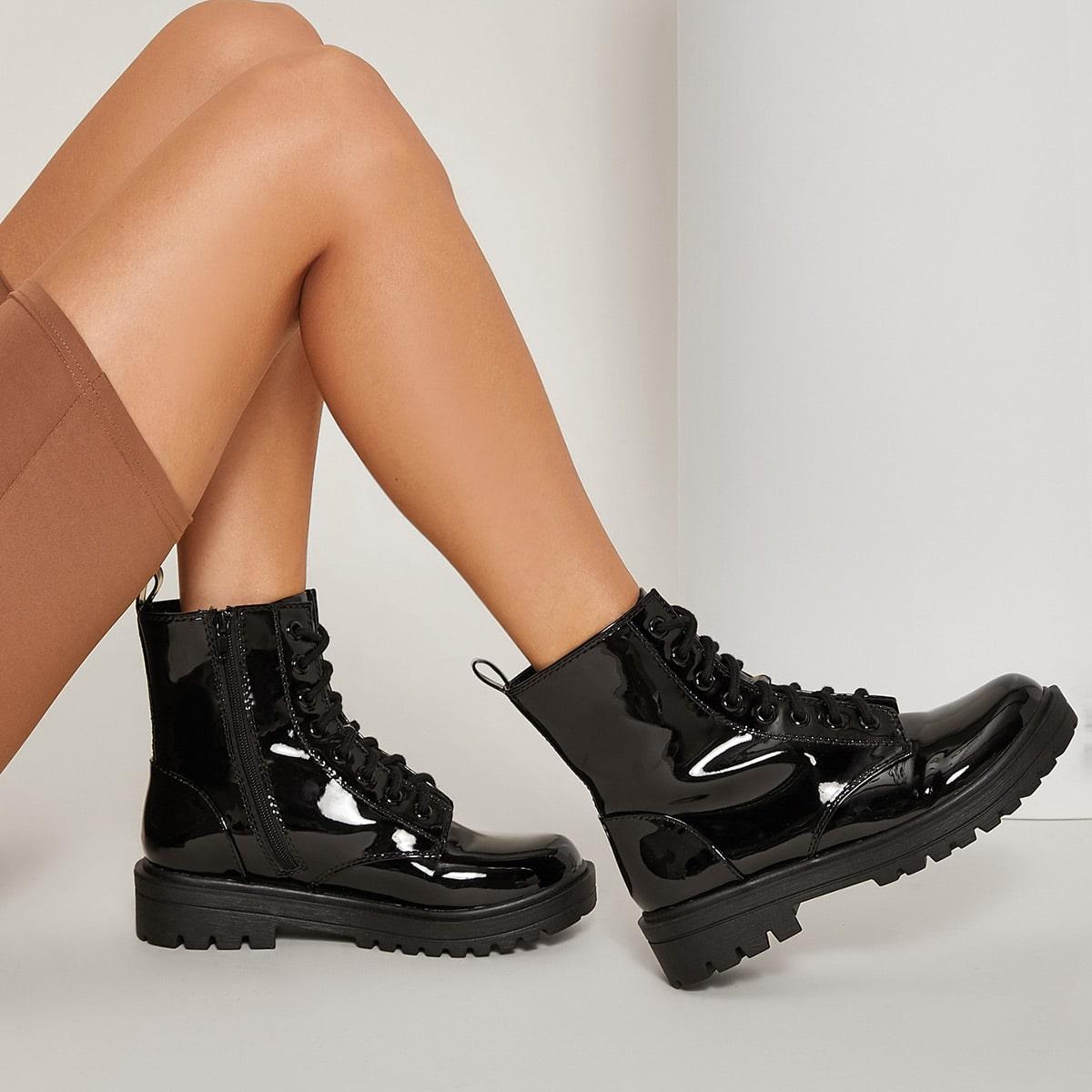 Ботинки на шнурках из лакированной кожи