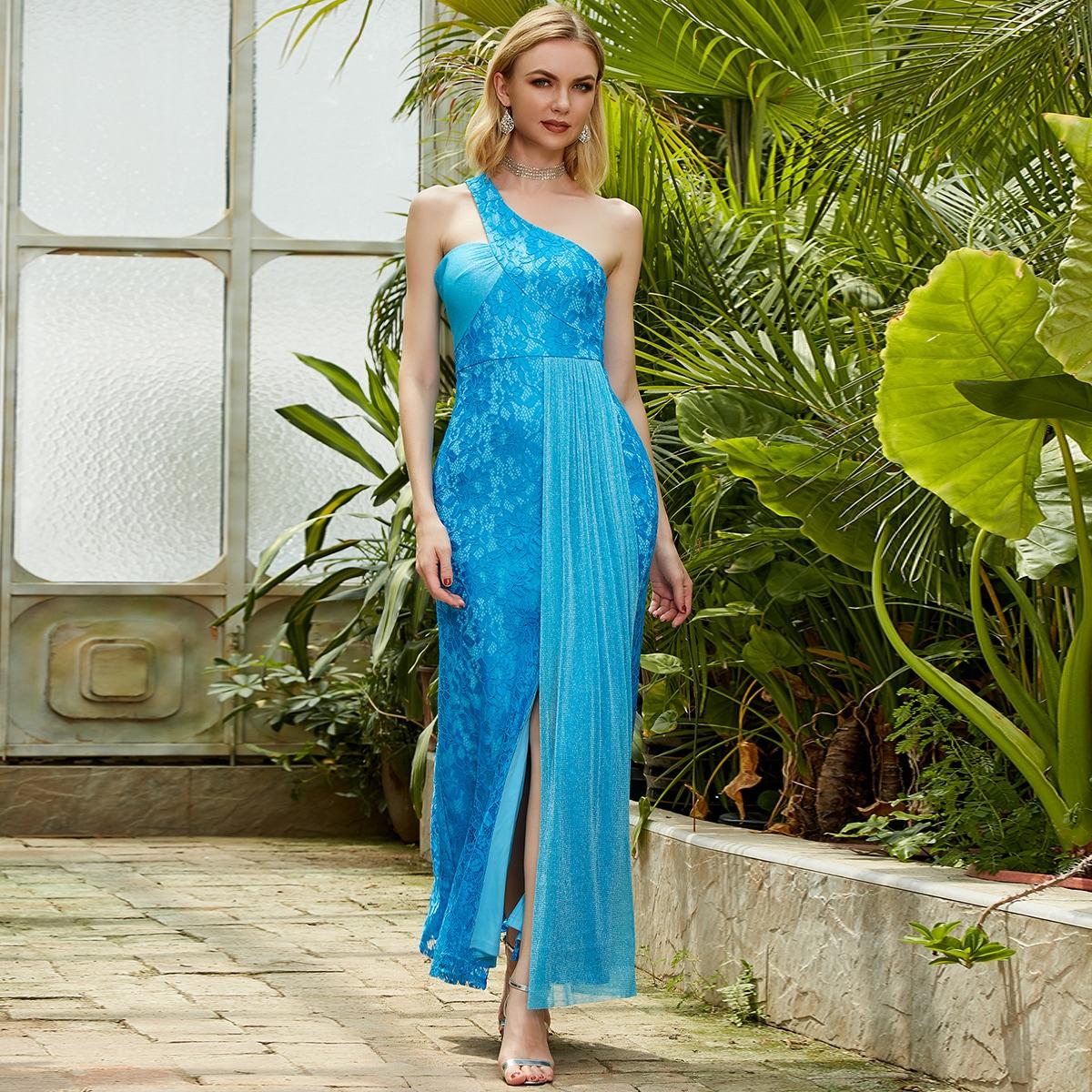 Kleid mit einer Schulter, Glitzer und Spitze
