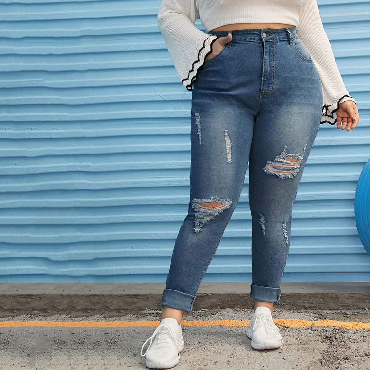 Рваные джинсы размера плюс с необработанным низом