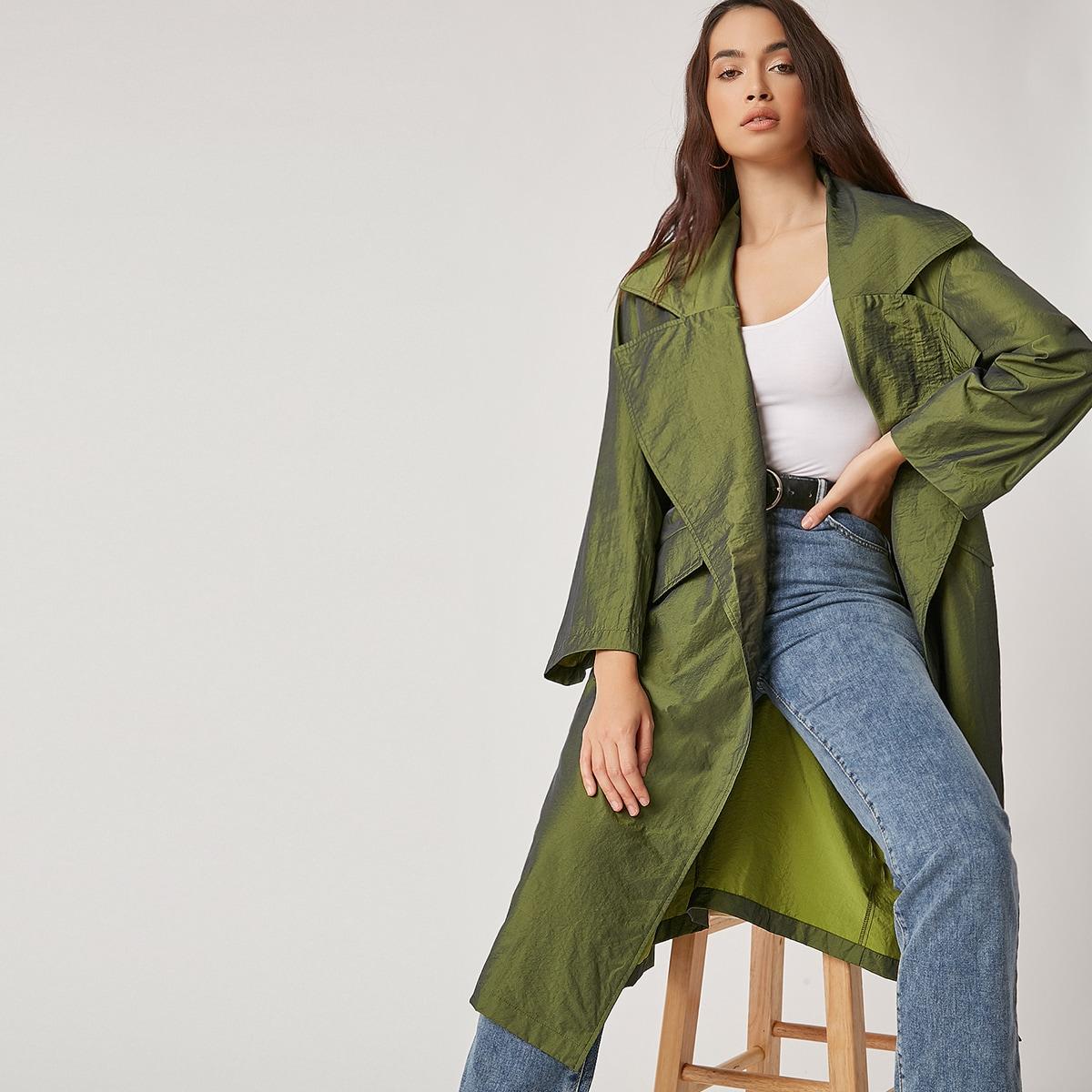 Пальто с широким воротником и поясом