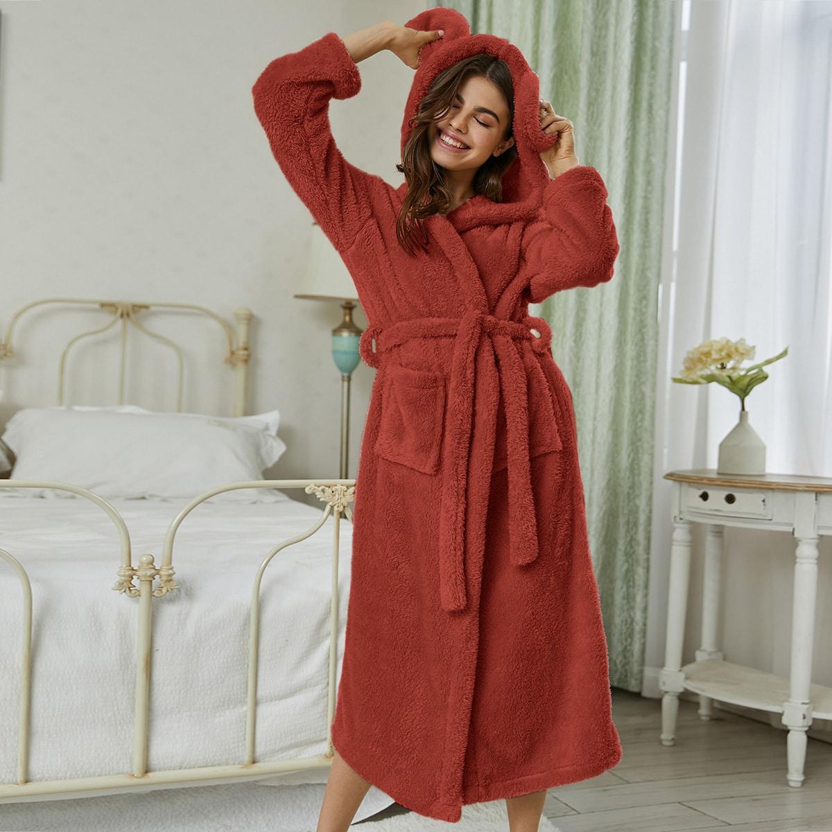 Фланелевый халат с капюшоном и карманами