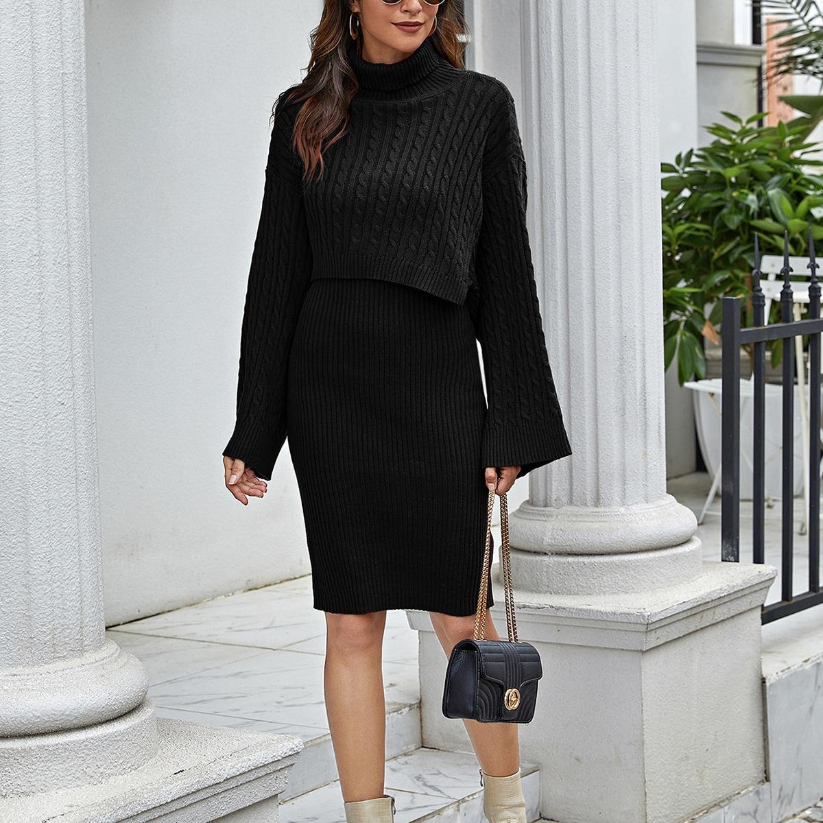 Вязаное платье-свитер в рубчик и топ