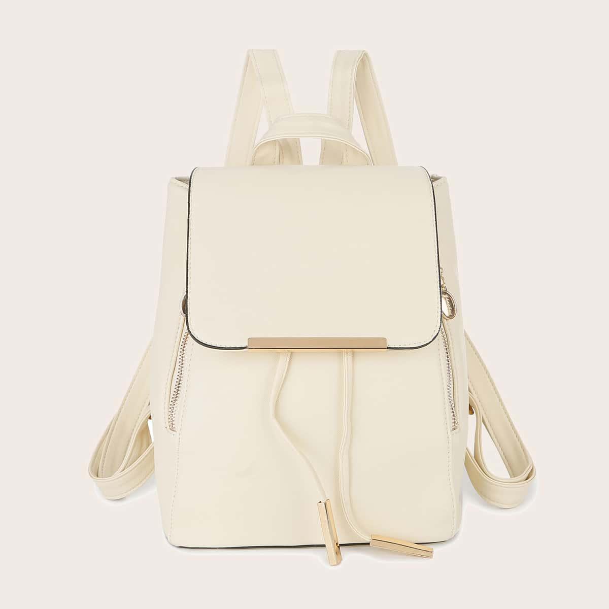 Рюкзак с металлическим декором