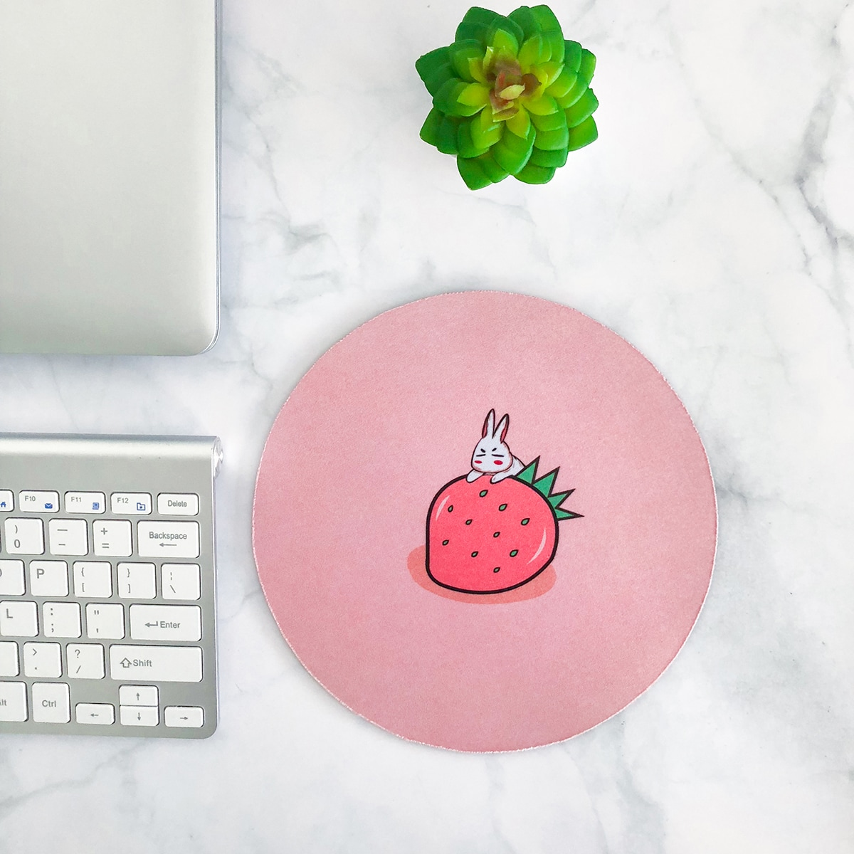 Mauspad mit Hase & Erdbeere Muster