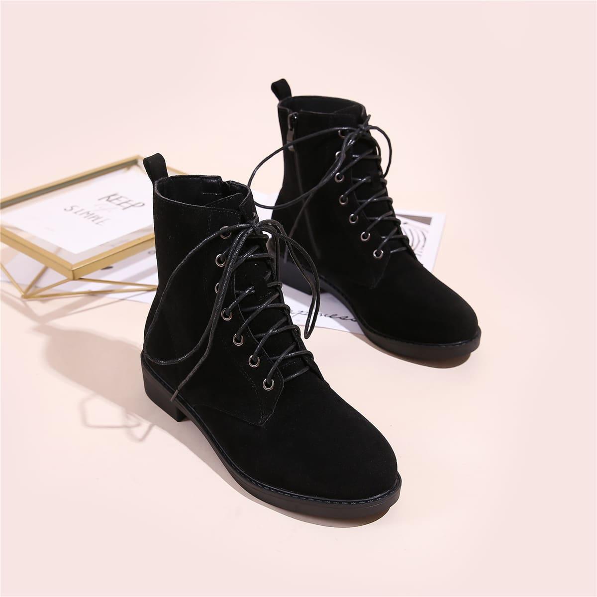 Замшевые сапоги на шнурках с молнией