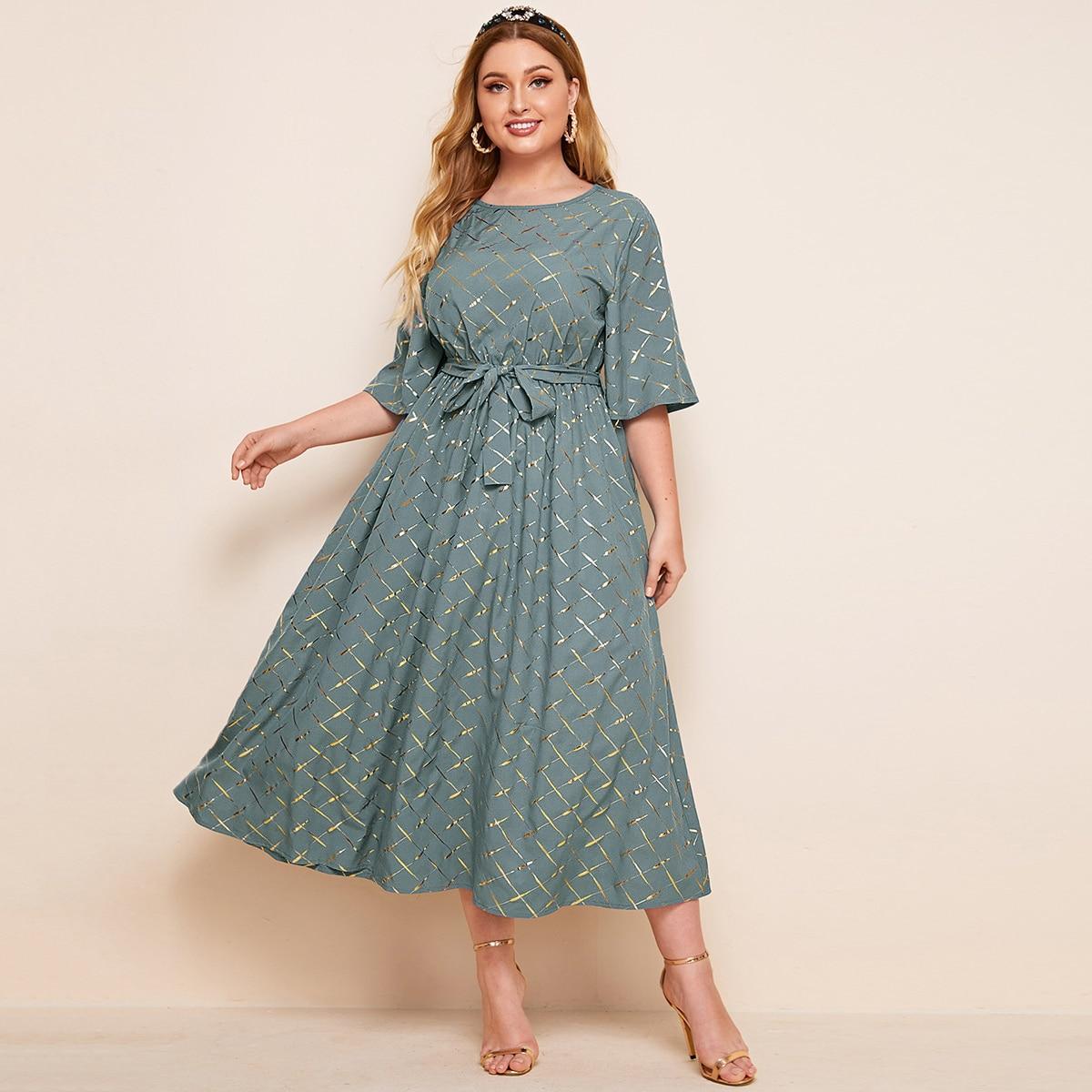 Платье размера плюс с поясом в клетку