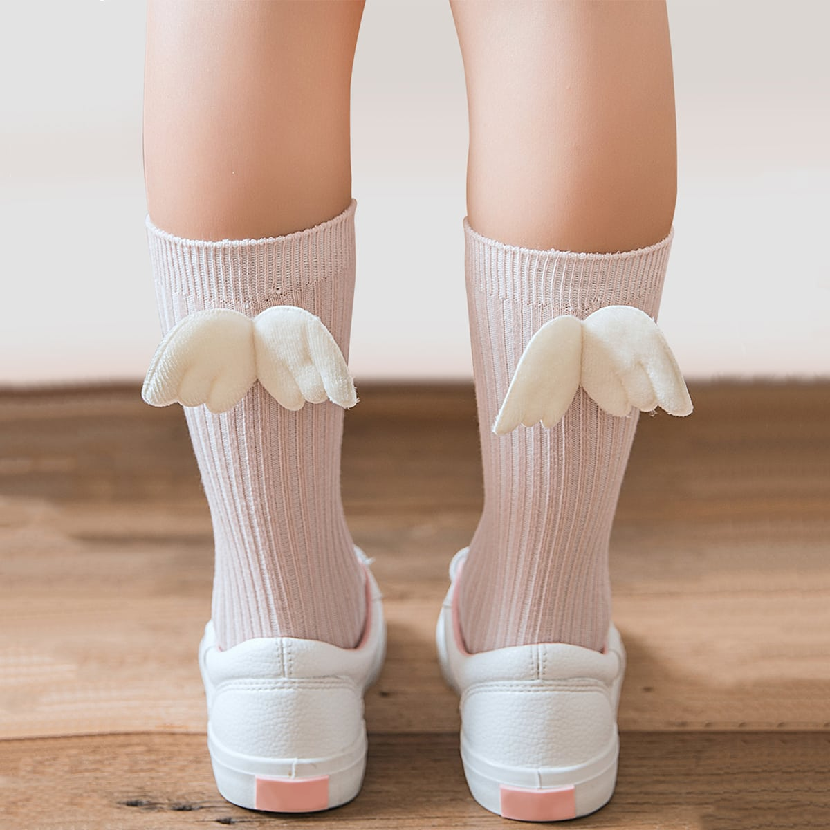 Baby Wing Decor Crew Socks