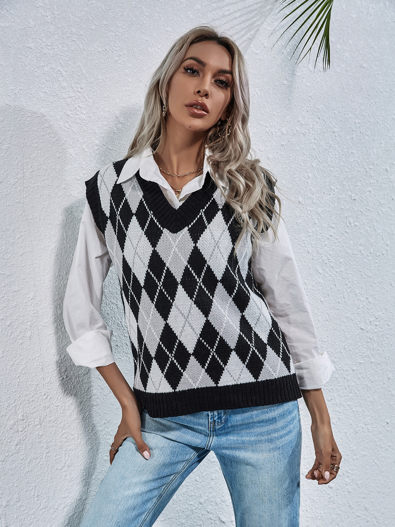 Argyle Pattern Sweater Vest thumbnail