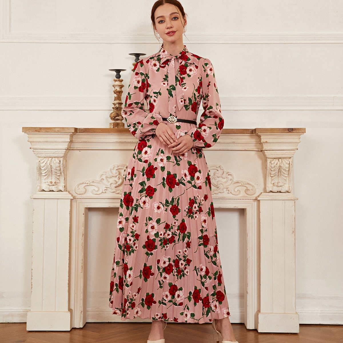 Платье со складками и цветочным принтом без пояса
