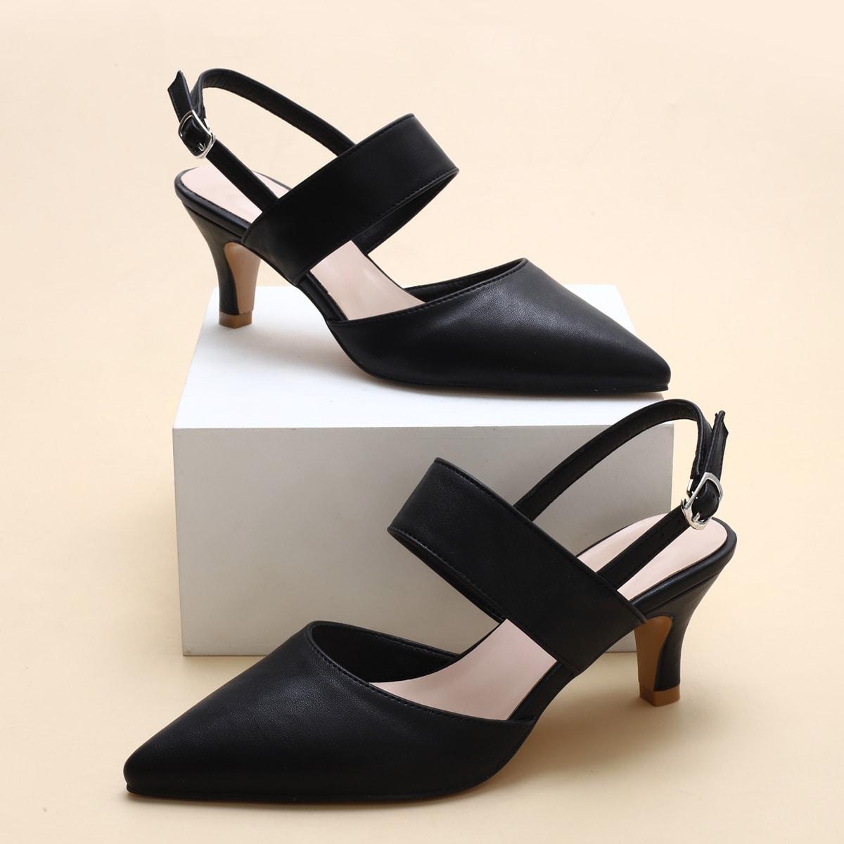Минималистские остроконечные туфли с открытой пяткой