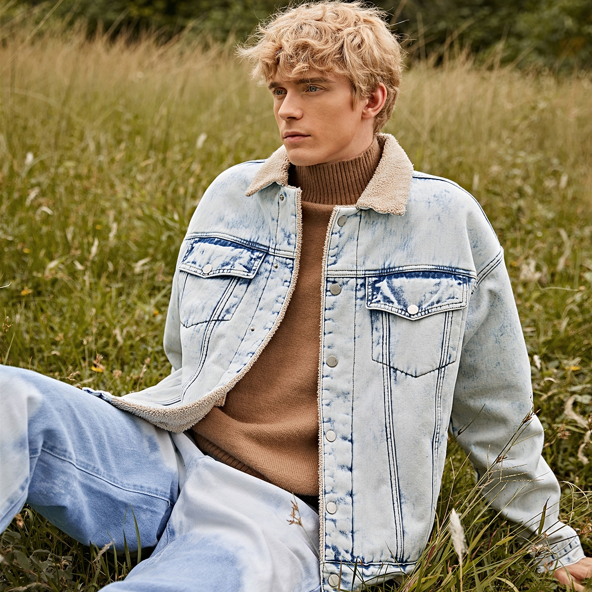 Мужская джинсовая куртка с карманом и плюшевой подкладкой