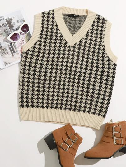 Plus Houndstooth Pattern Sweater Vest