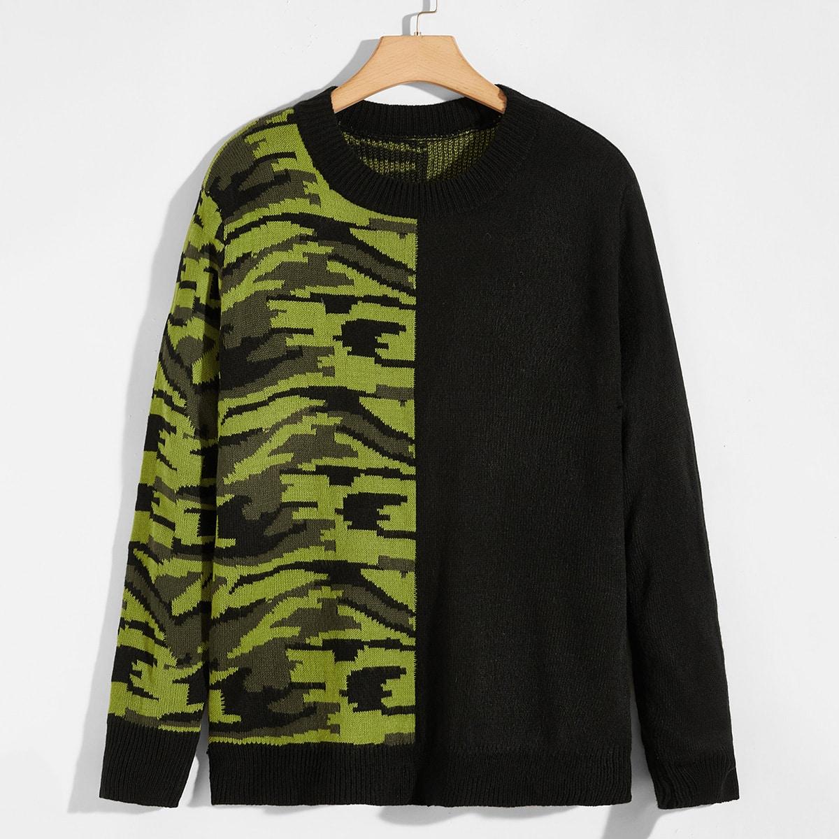 Мужской контрастный свитер с камуфляжным рисунком