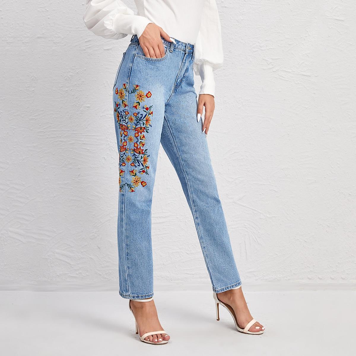 Прямые джинсы с карманом и цветочной вышивкой