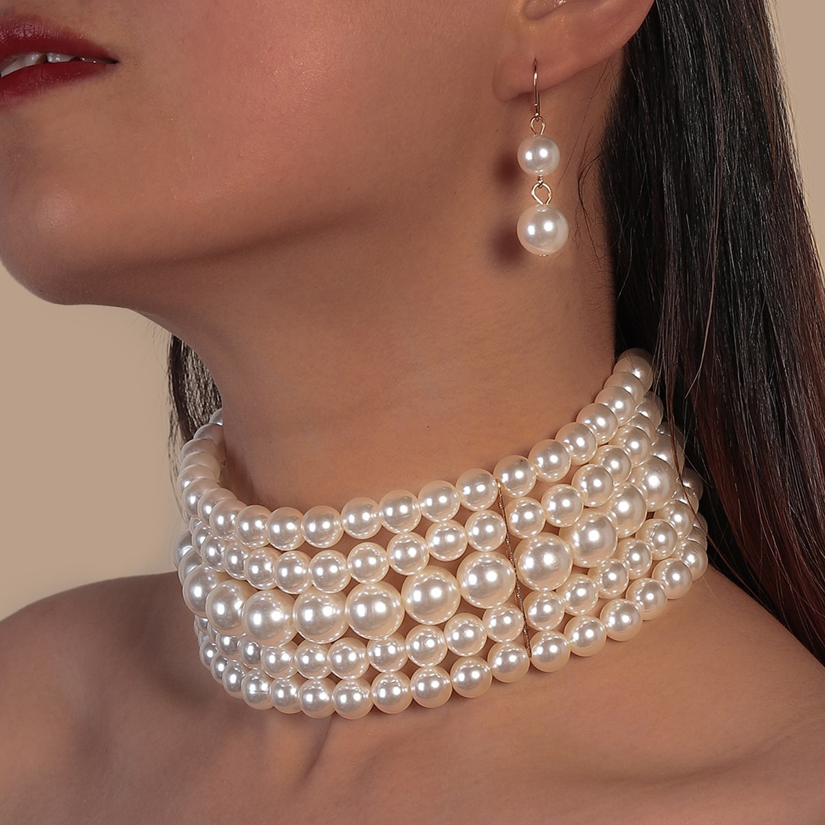 1 Stück Halskette mit Kunstperlen & 1 Paar Ohrringe