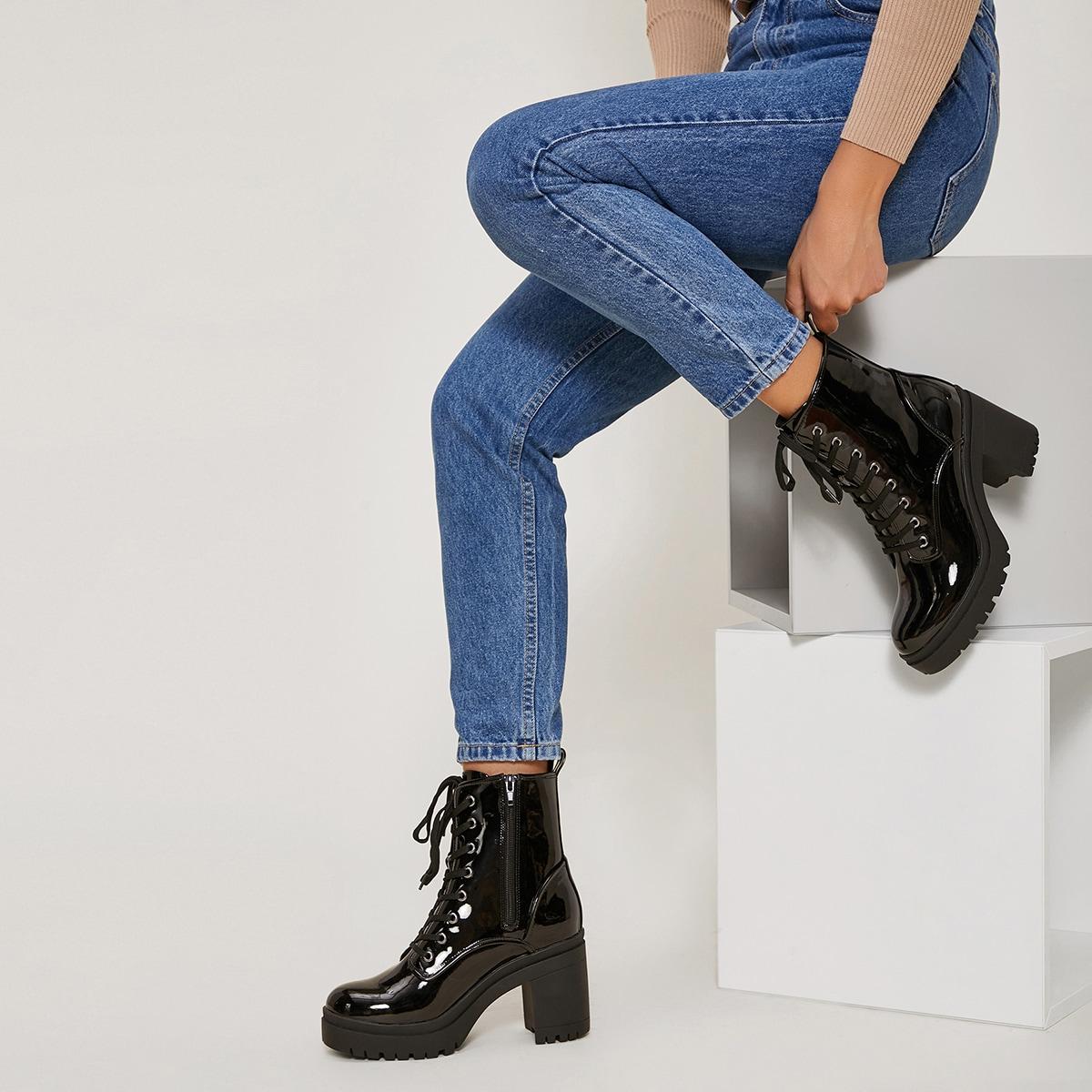 Ботинки на шнурках из искусственной лакированной кожи