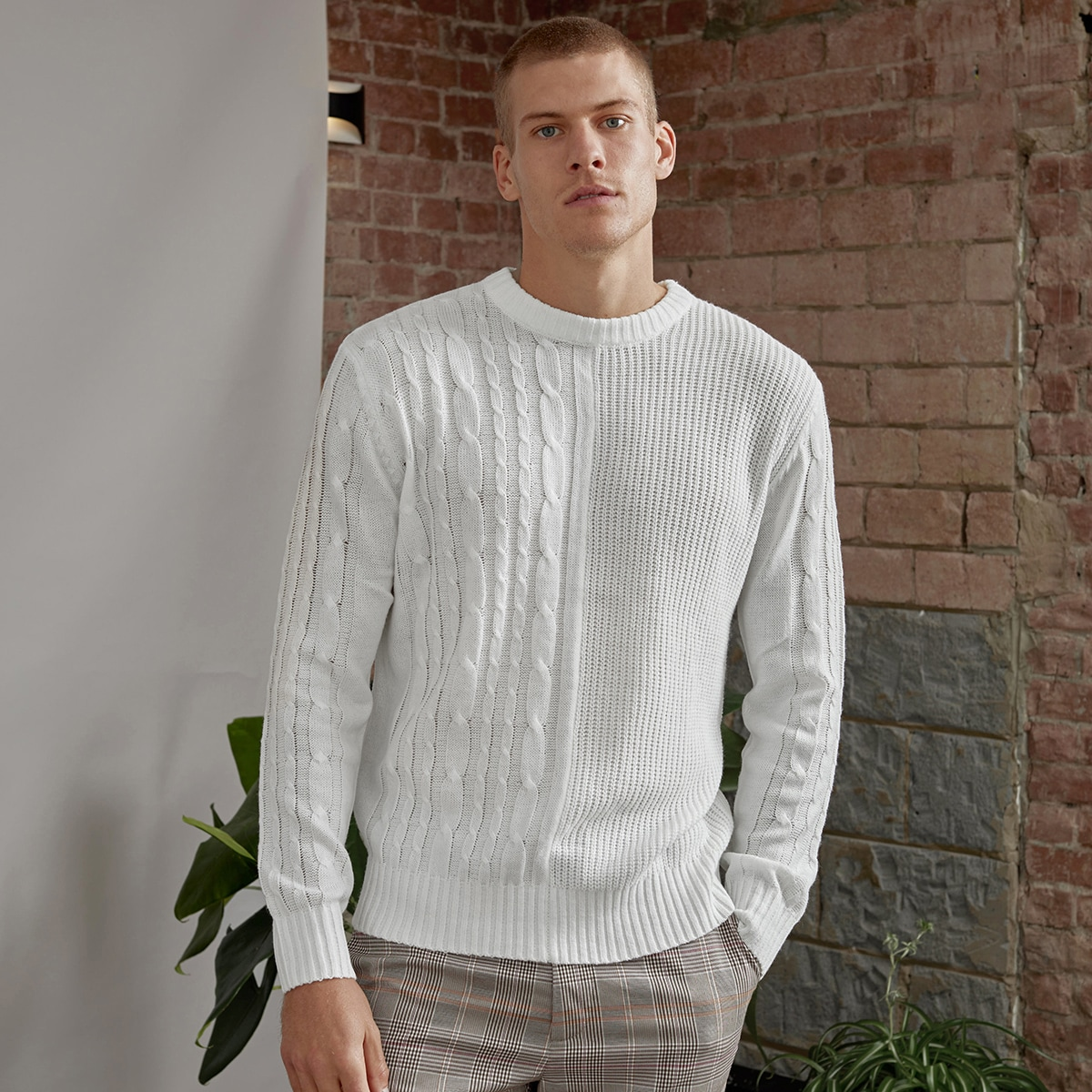 Men Solid Cable Knit Sweater