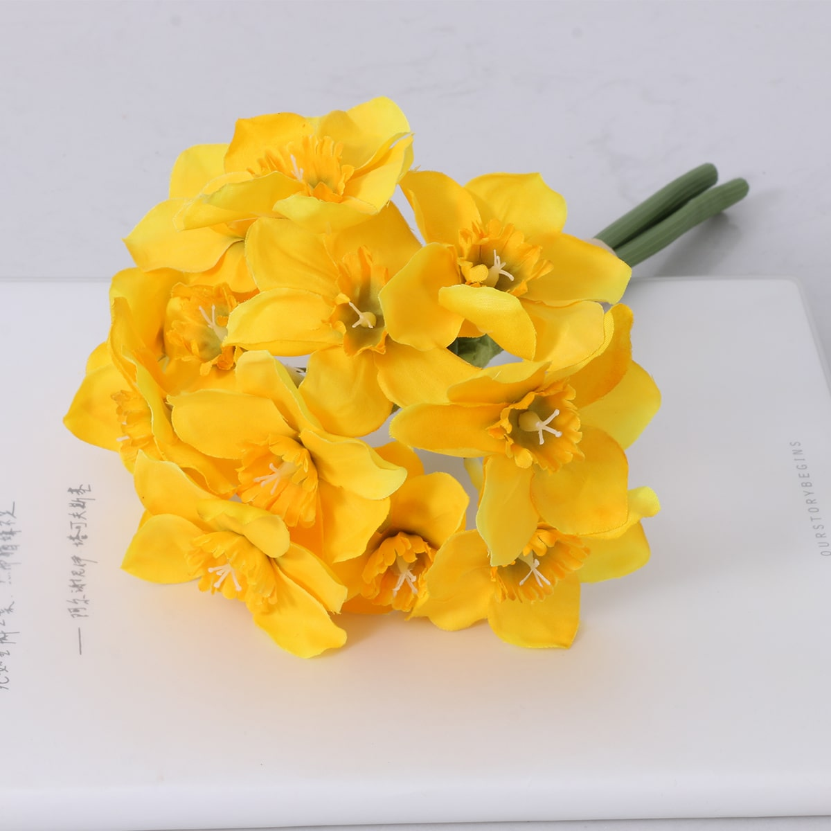 1bundle Artificial Daffodil With 3pcs Branch