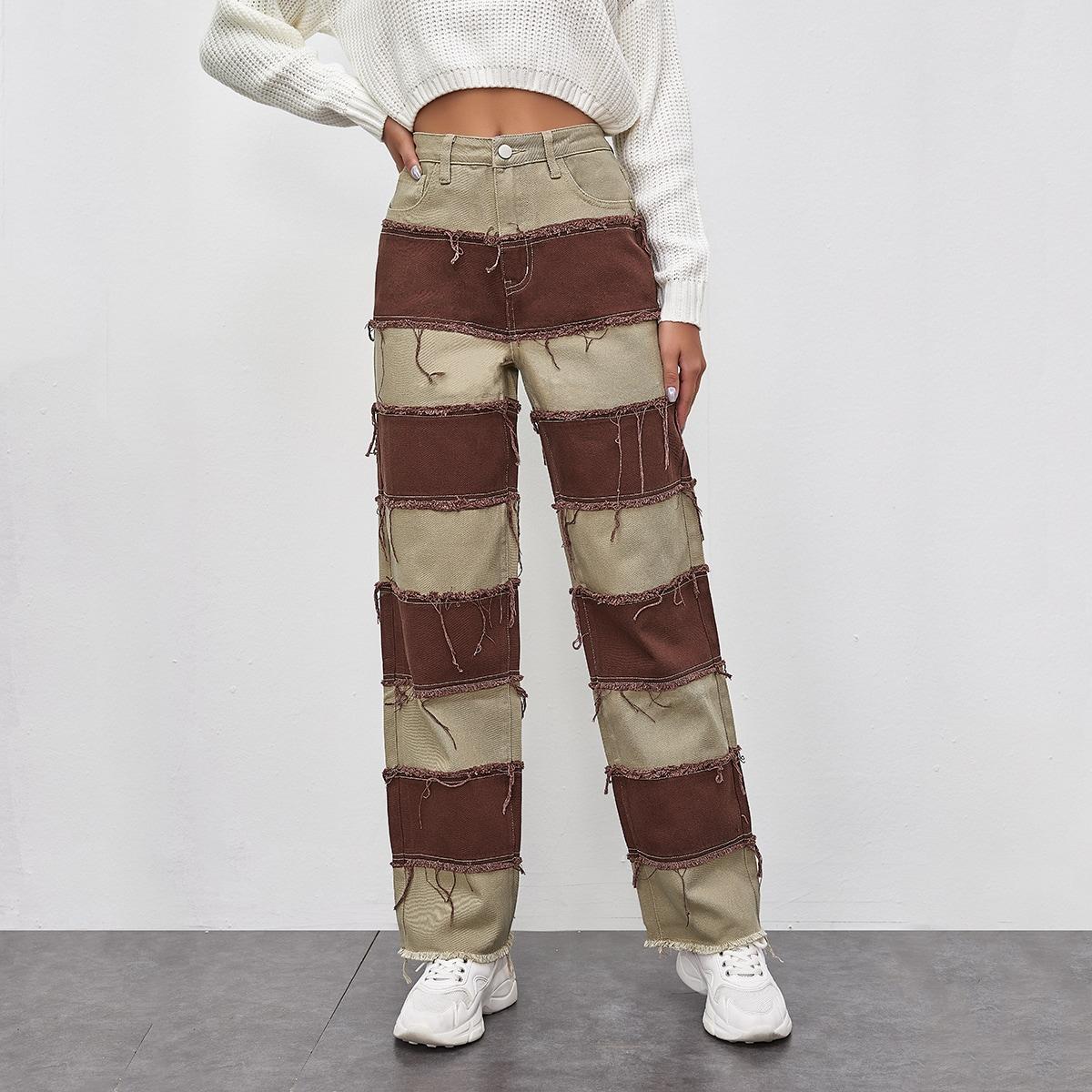 Двухцветные прямые джинсы с бахромой