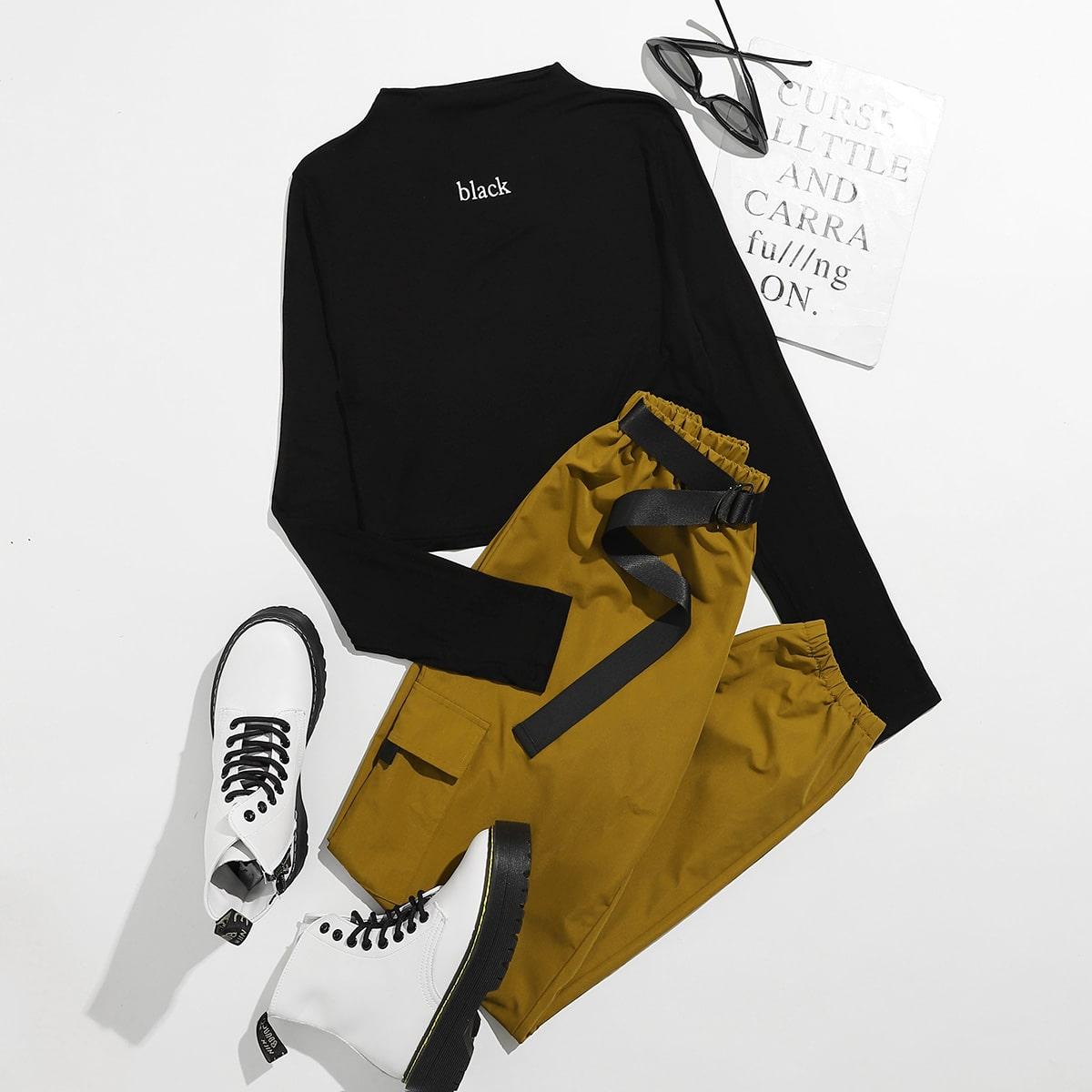 Короткая футболка с текстовым принтом и брюки с карманом