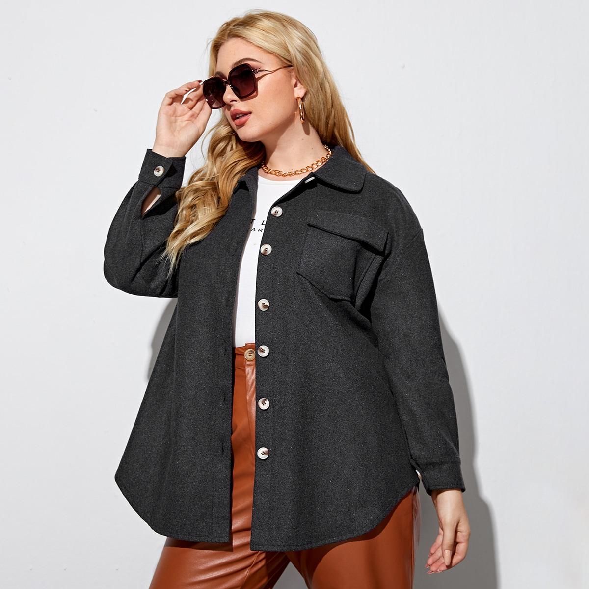 Пальто размера плюс на пуговицах