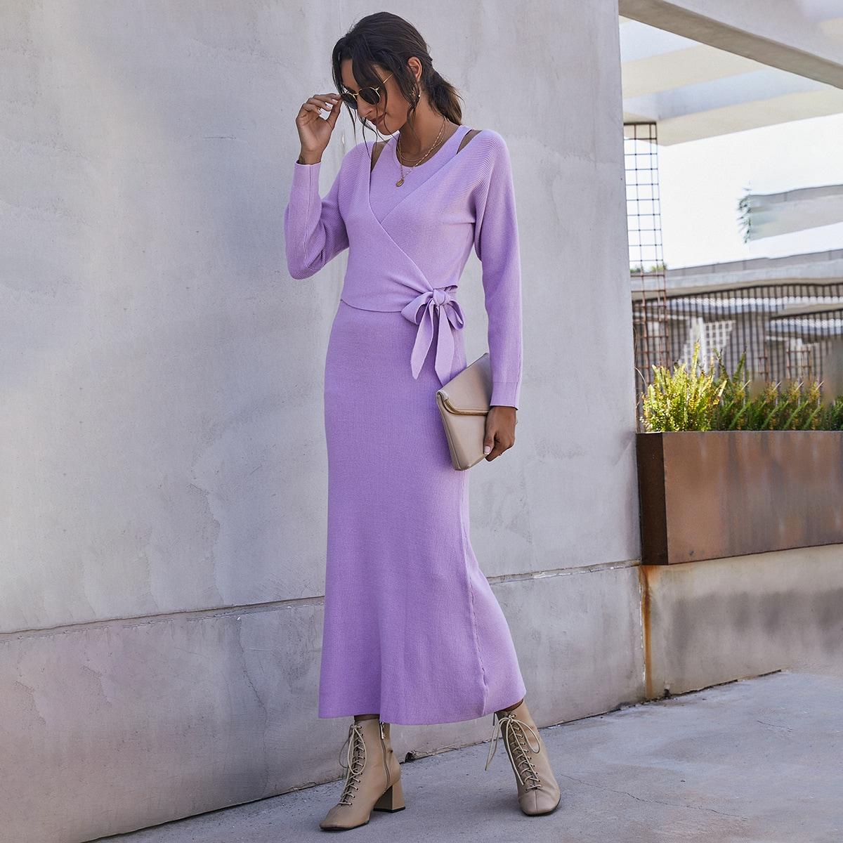 Платье-свитер с узлом и разрезом