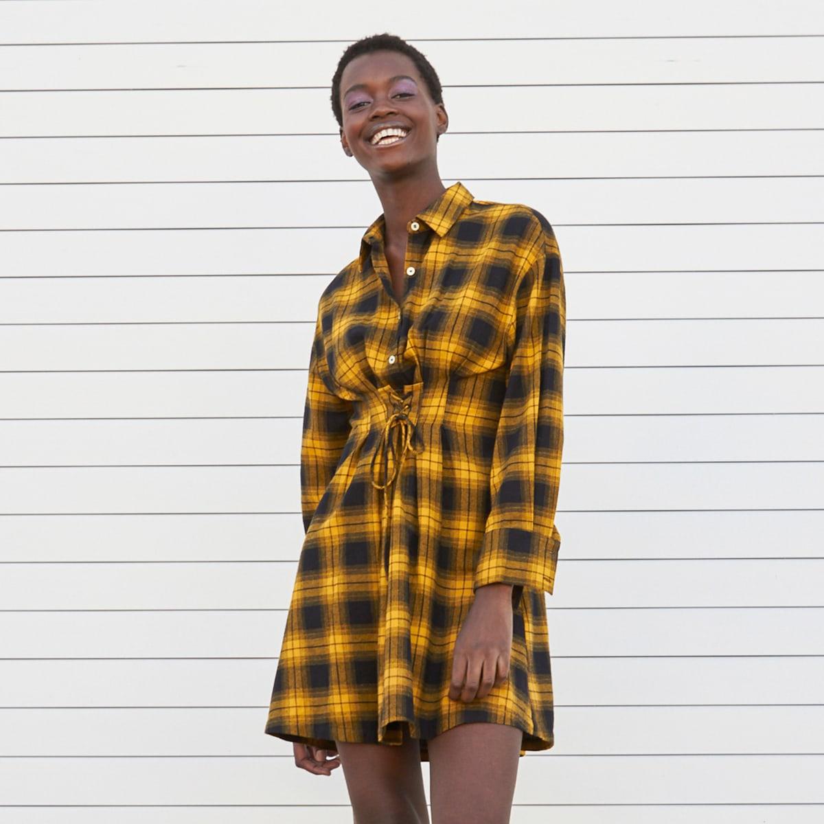 Платье-рубашка в клетку со шнурком
