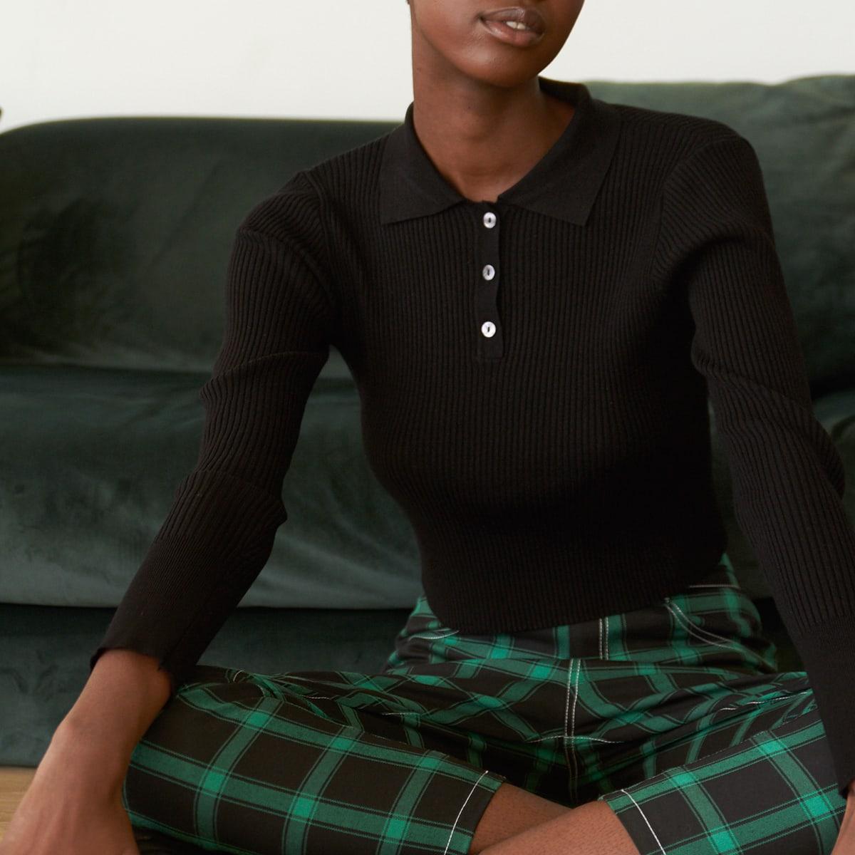 Вязаный свитер в рубчик с пуговицами