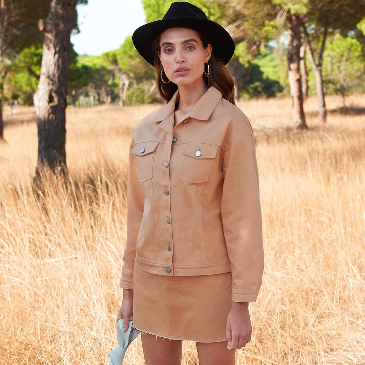 Однобортная куртка с карманом и юбка