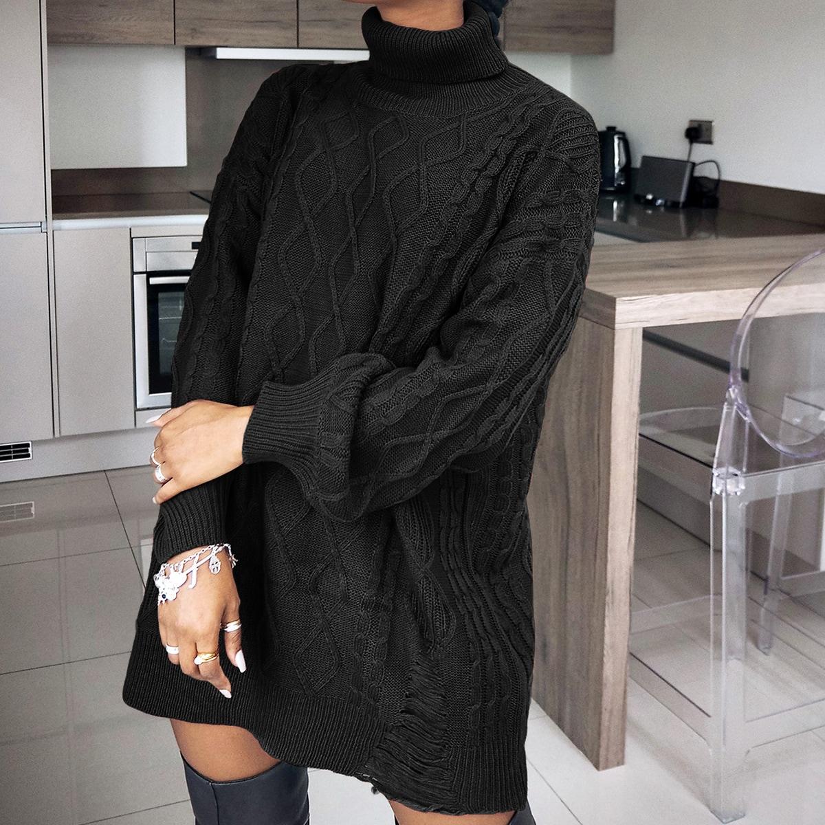 Трикотажный длинный рваный свитер с высоким воротником