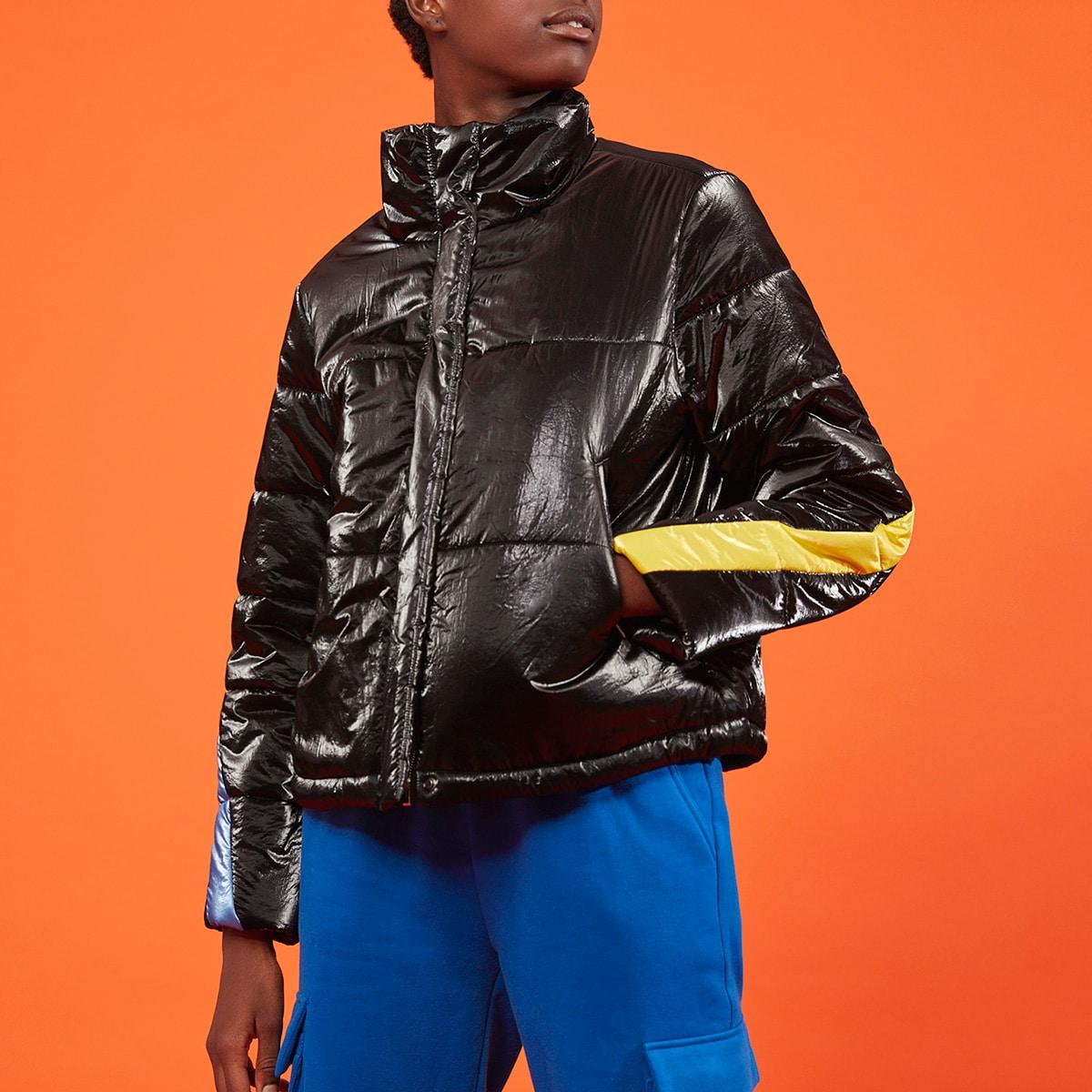 Стеганое пальто с кожаным эффектом