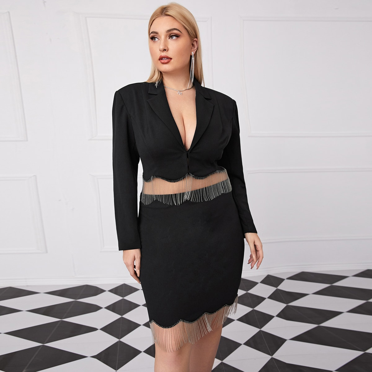 Кроп пиджак и юбка размера плюс