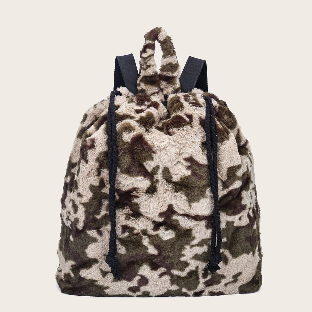 Плюшевый рюкзак с камуфляжным узором