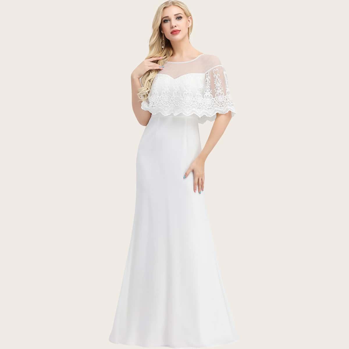 Платье-русалка и сетчатая накидка