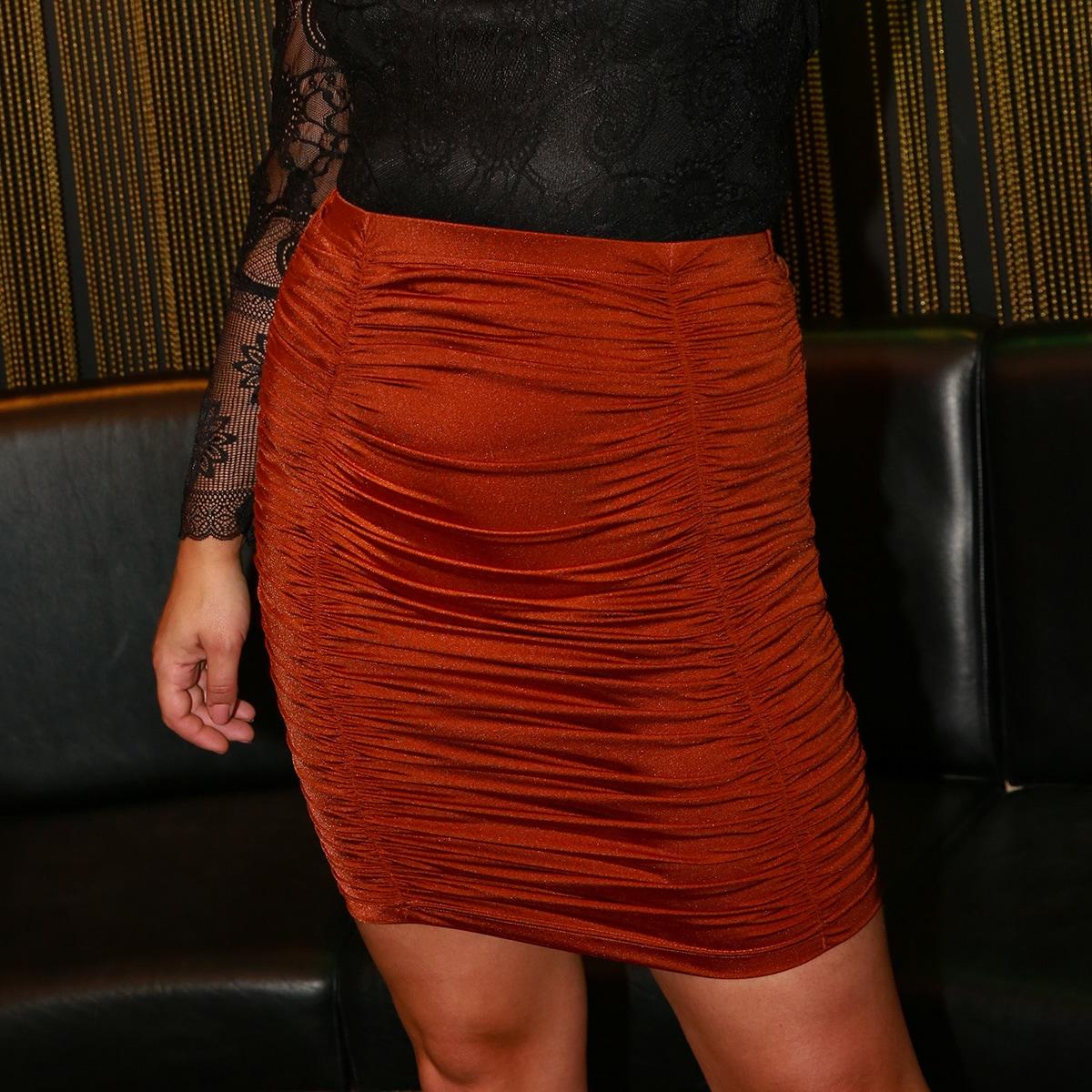 Однотонная облегающая юбка размера плюс со сборками