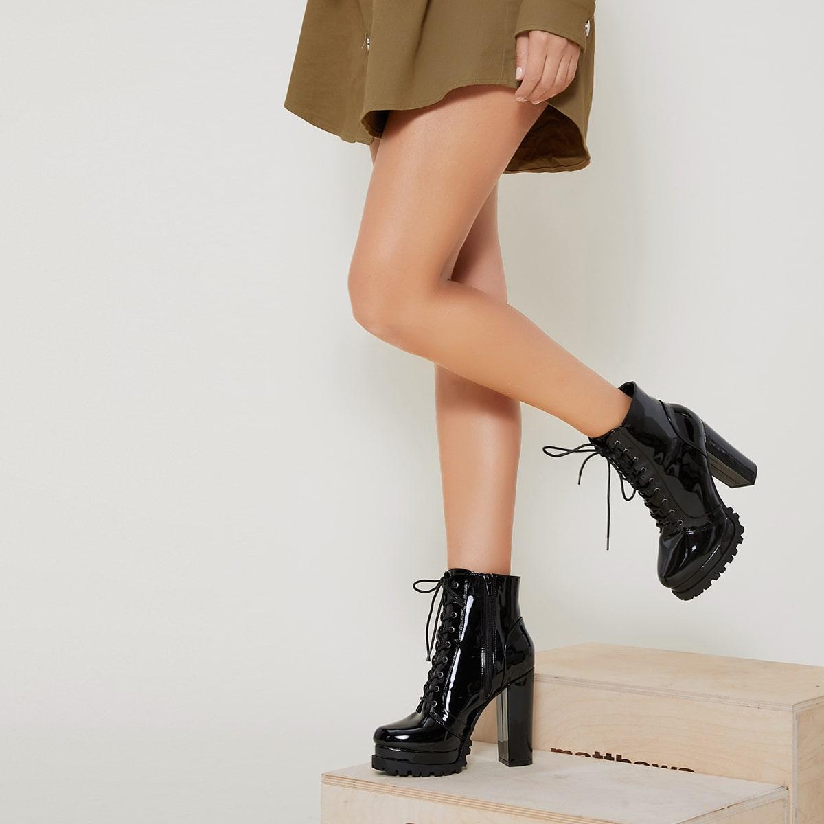 Сапоги на высоком каблуке из искусственной лакированной кожи