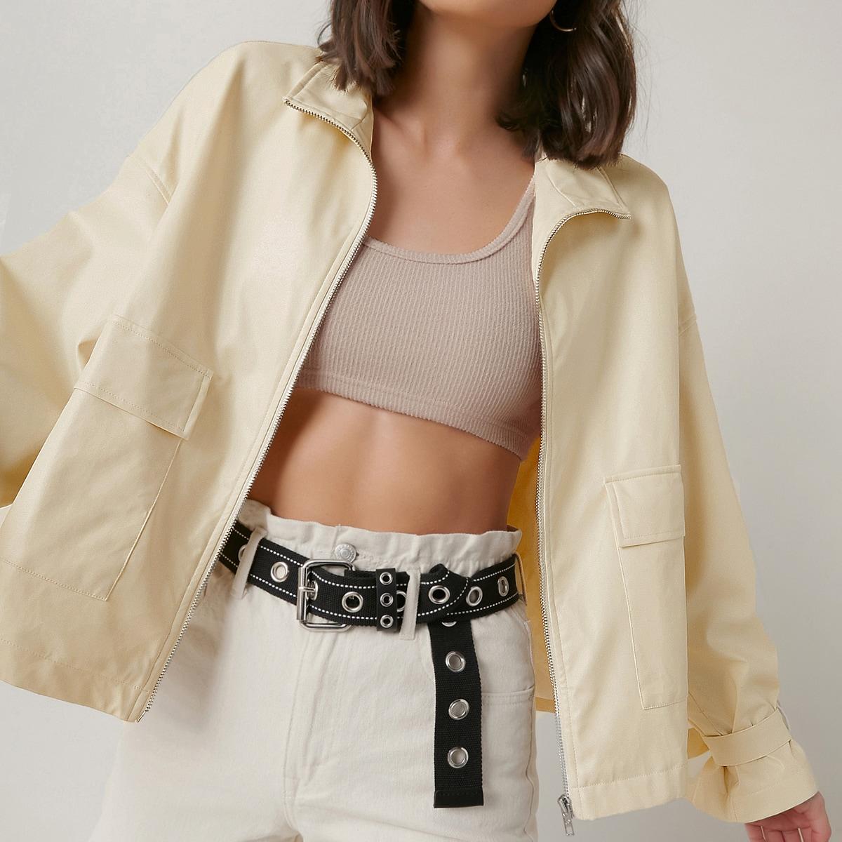 Куртка с карманом и поясом