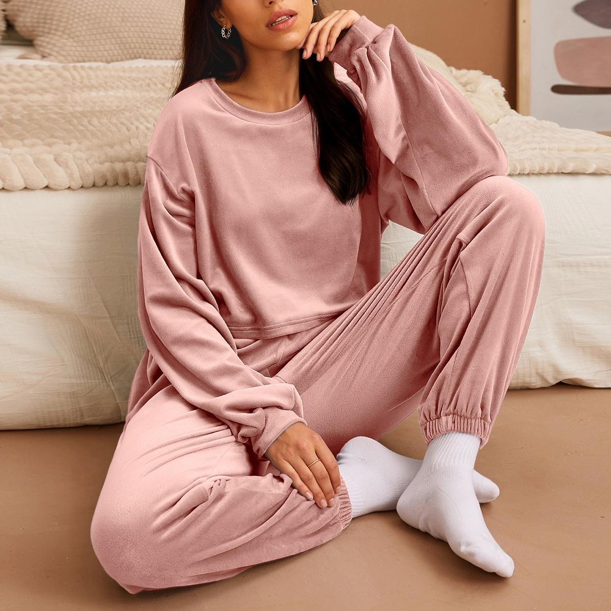 Однотонная бархатная пижама