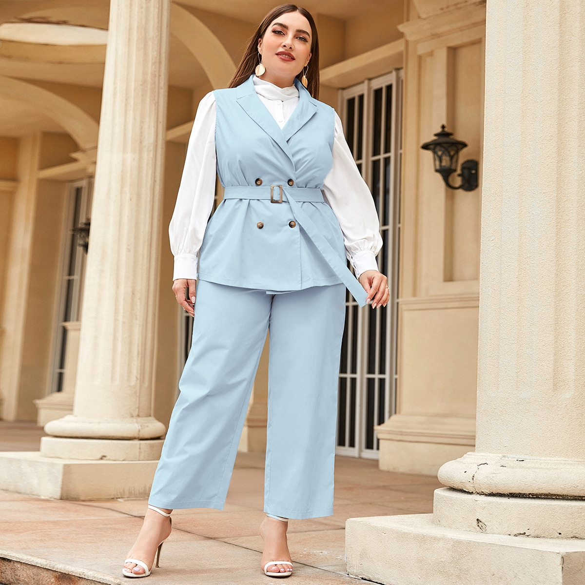 Двубортный пиджак-жилет и брюки размера плюс