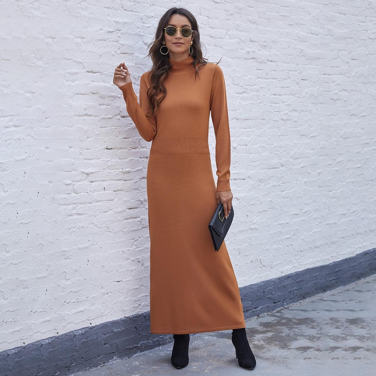 Платье-свитер макси с высоким воротником