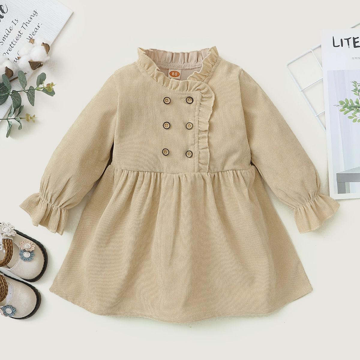 Zweireihiges Kord Kleid mit Rüschenbesatz