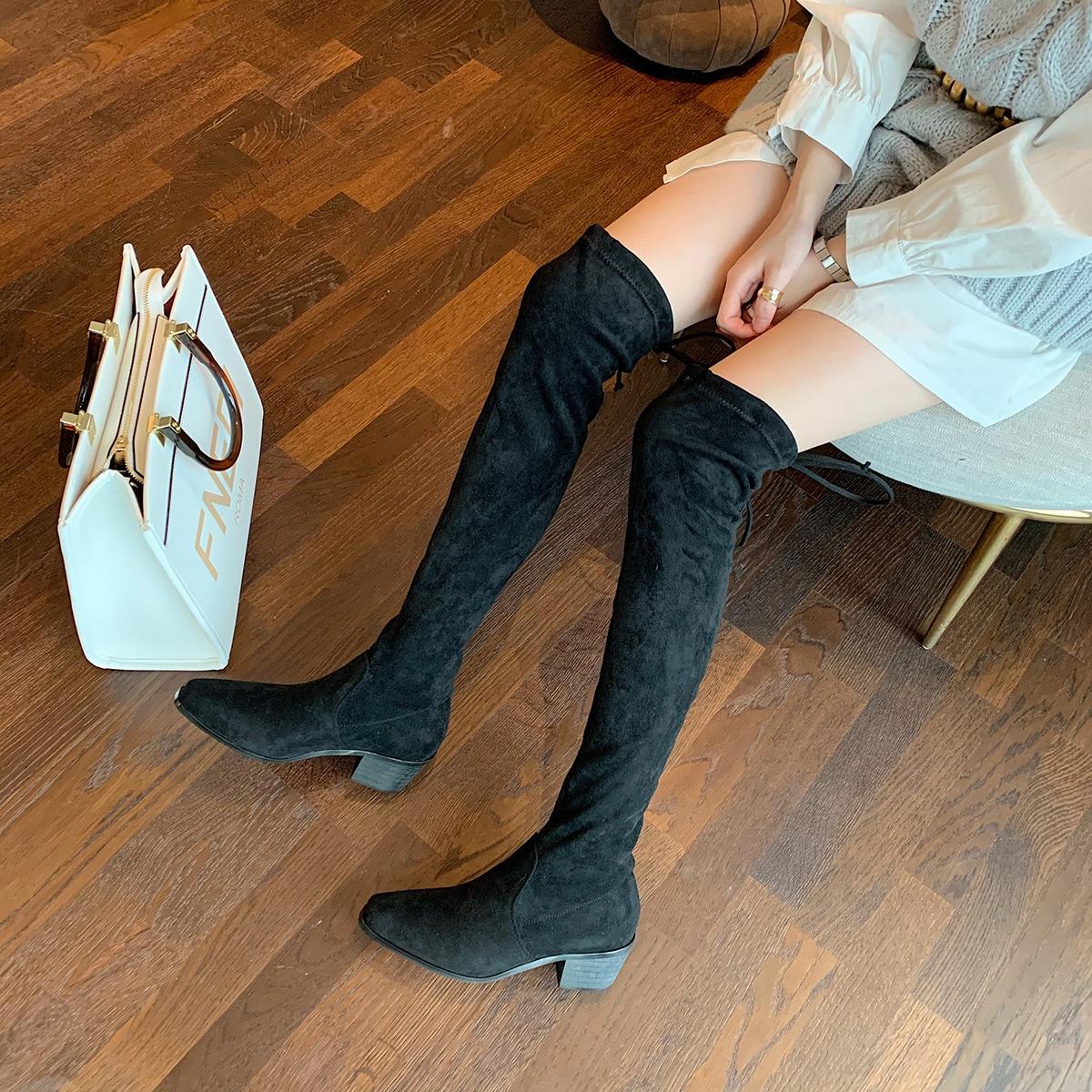 Замшевые ботфорты с квадратным носком
